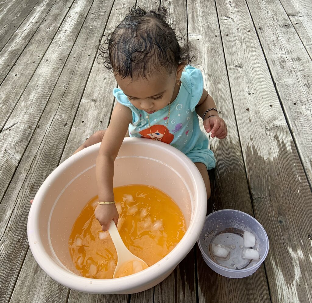 easy and simple activities at home; toddler activities at home; entertaining toddlers
